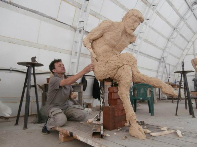 Resize-of-RUSIA-PENZA-Simpozionul-International-de-Sculptura-2012-MD022