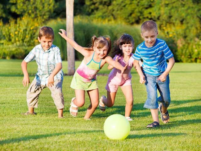jocul-in-aer-liber-ii-fereste-pe-copii-de-miopie-16246925 (1)