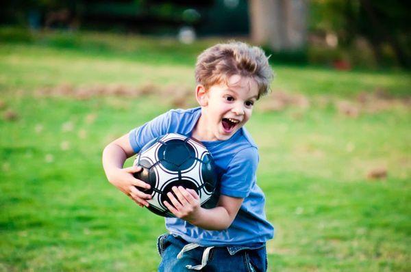 sport-copii-minge