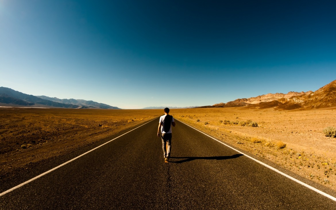 guy_road_way_back_loneliness_emptiness_61578_2560x1600
